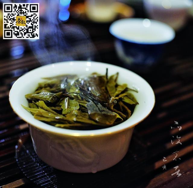 闻香辨茶:品茶闻香,我们该如何品闻白茶的香?