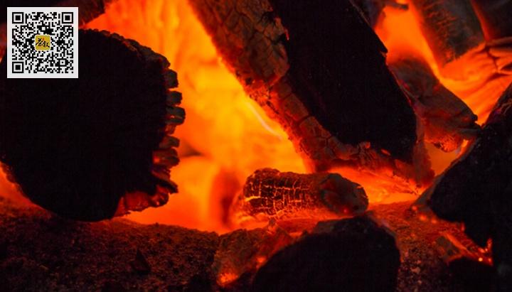 岩茶炭焙燃烧的木炭