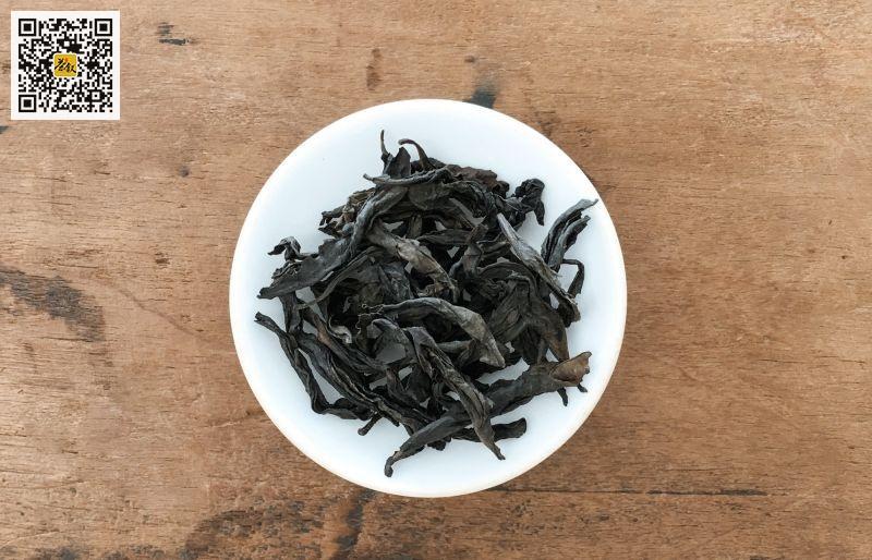 轻火岩茶干茶