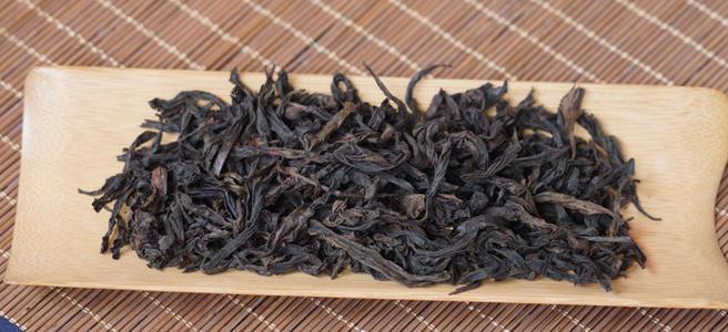 如何预防买到水味岩茶