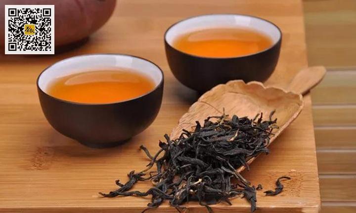 红茶正山小红干茶与茶汤