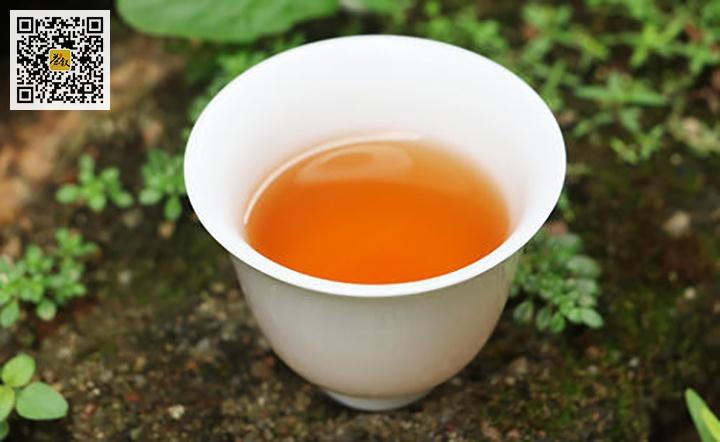 中火岩茶汤色