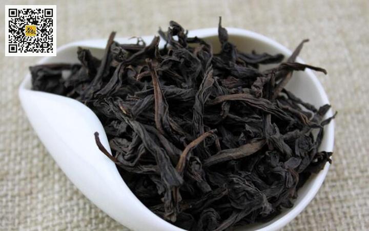 焙火后的武夷岩茶成茶