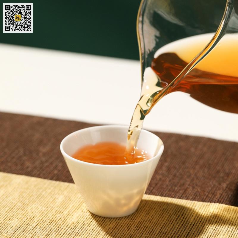 宝登源五福生普洱茶汤色特征