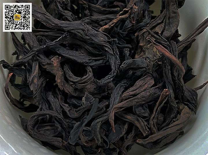 正岩水仙干茶条索特征